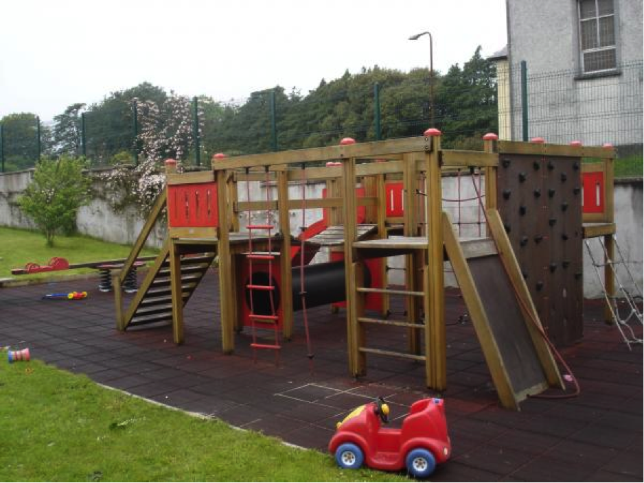 clarehaven-childrens-play-area
